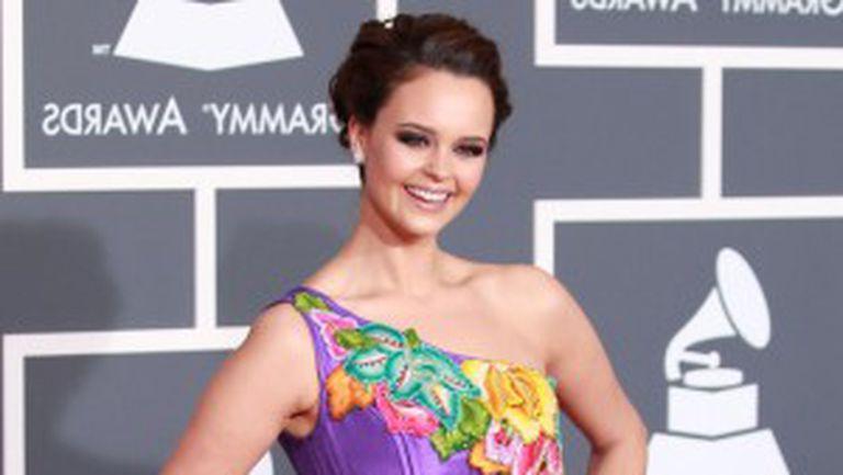 Vedete prost îmbrăcate la Premiile Grammy 2010