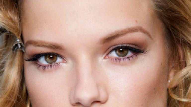 Tendinţe Make-up 2010 cu Mirela Vescan