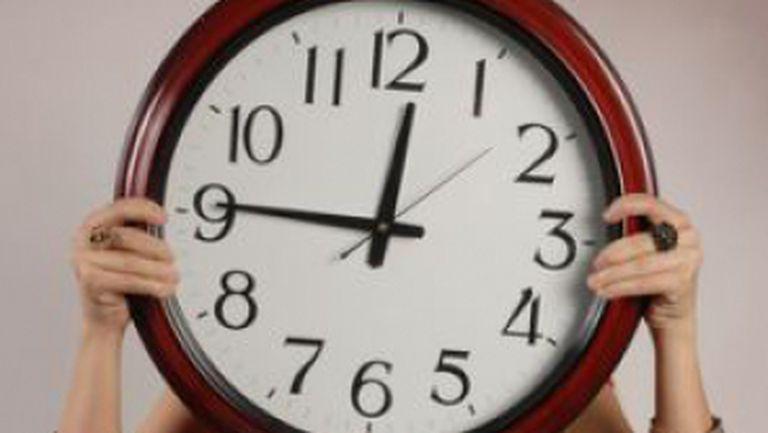 Marţi, mai mult de trei ceasuri rele