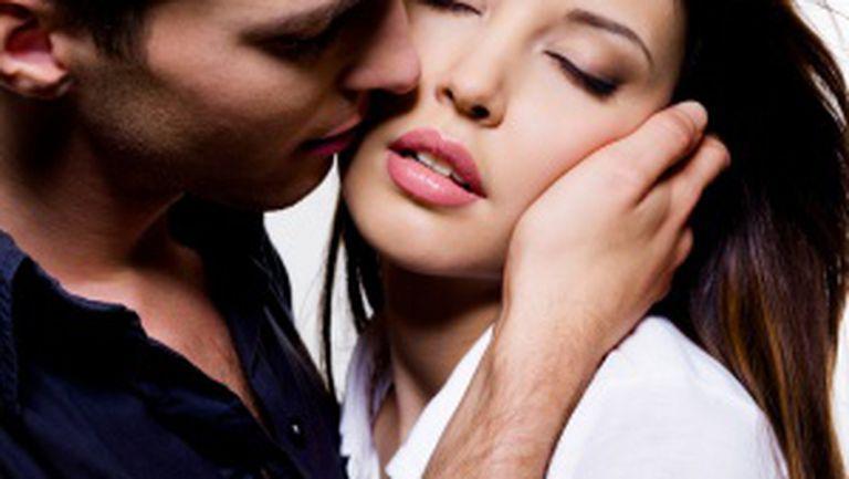 15 semne că partenerul tău te iubeşte