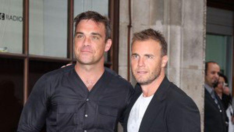 Robbie Williams şi Gary Barlow cântă împreună