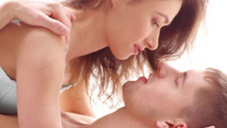 Ce preferă bărbaţii: orgasm prin sex oral sau normal?