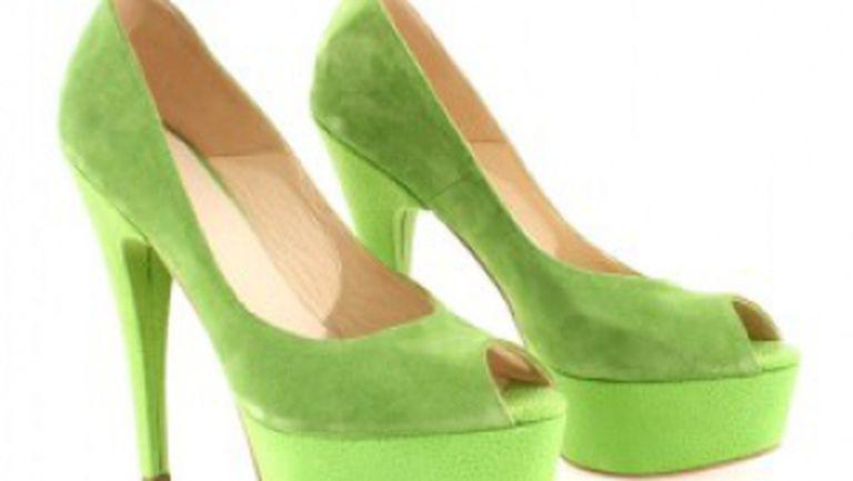 Top 8 perechi de pantofi, sandale şi balerini must have