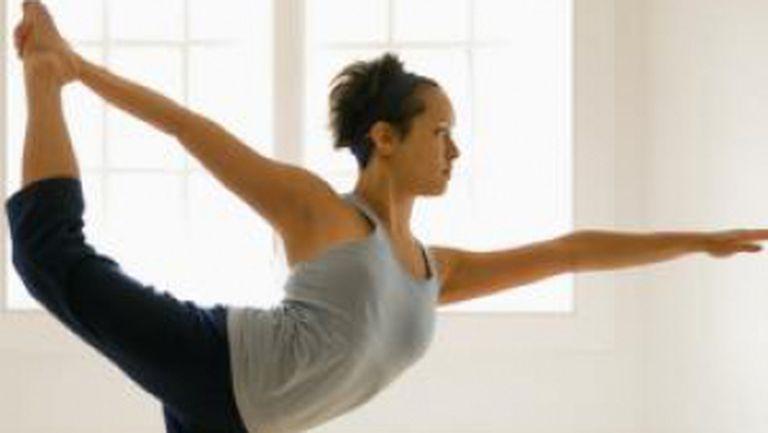 Foto: 10 poziţii de yoga pentru relaxare şi fitness