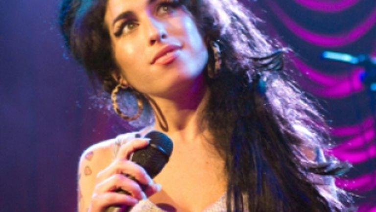 Primul single postum Amy Winehouse
