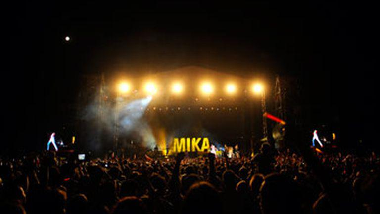 Show electrizant Mika la Orange Summer Party