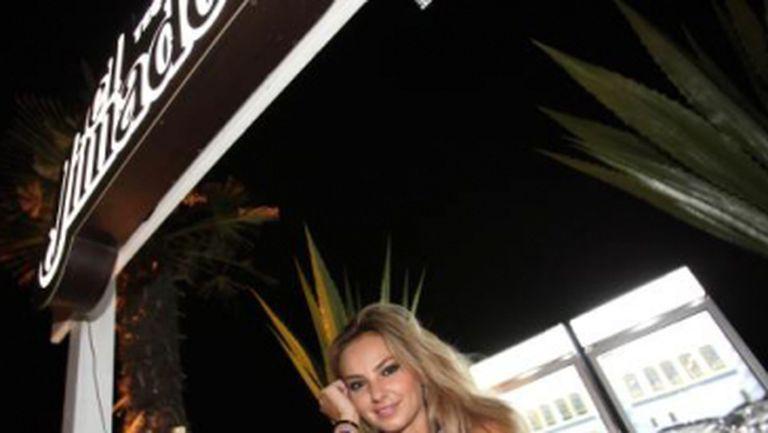 Roxana Ionescu a devenit imaginea unei băuturi alcoolice