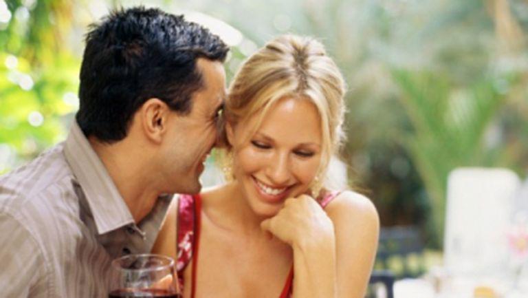 Relaţii: Psihologii explică cum ne alegem iubiţii!