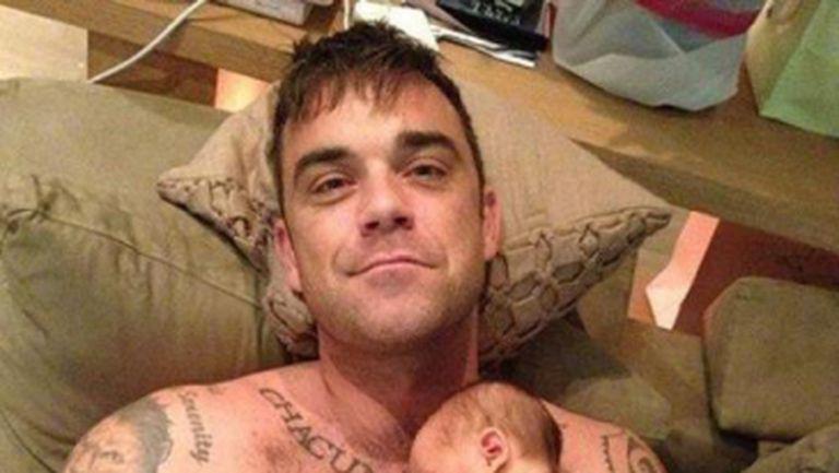 Doamne, ce scumpă e! Uite prima fotografie cu fiica lui Robbie Williams