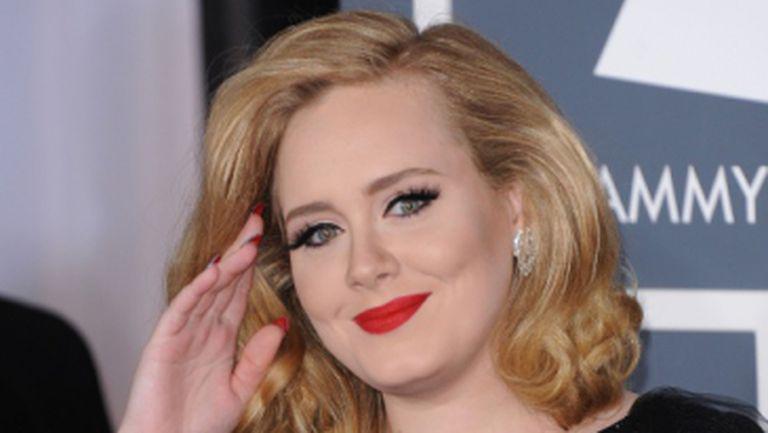 BREAKING NEWS: Adele a născut un băieţel