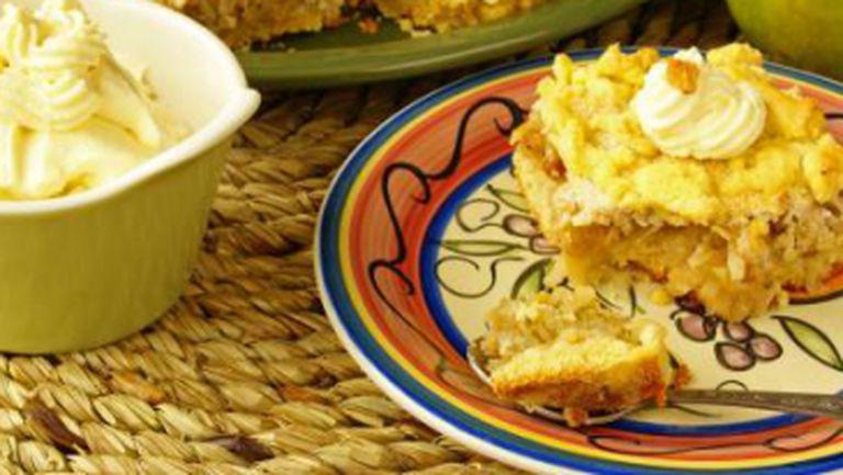 DESERT de POST: Tort cu mere şi stafide