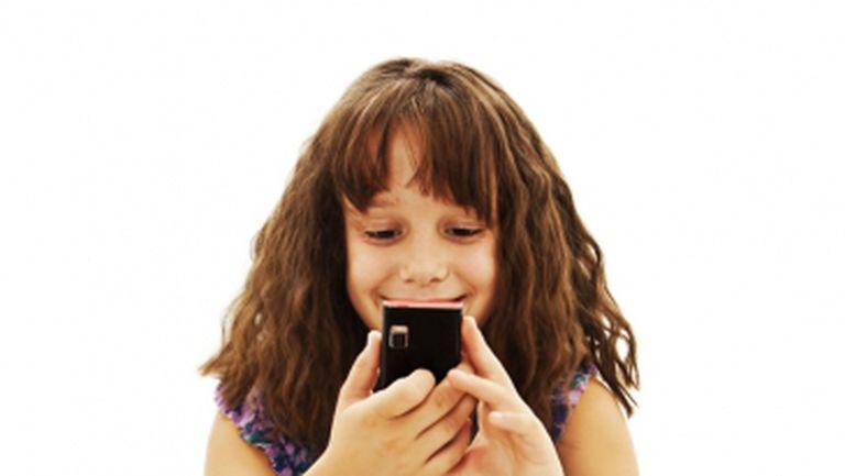 Telefonul mobil, un pericol pentru cei mici?