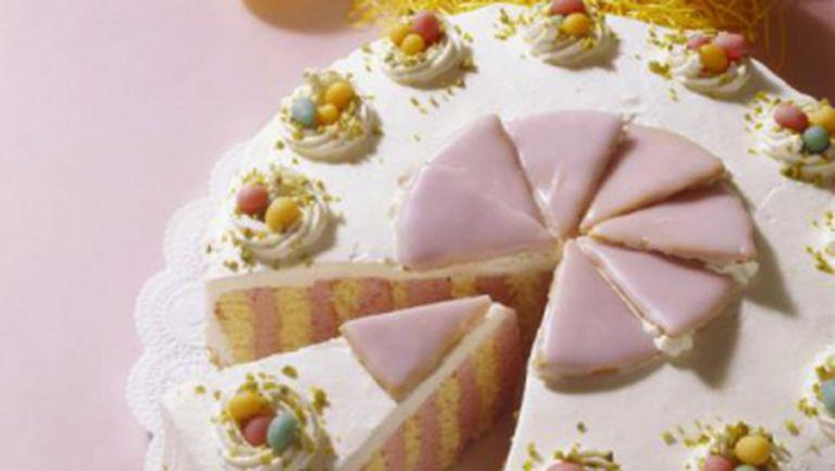 DESERT: Prăjitură din marţipan