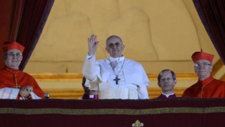 Horoscop Saturnia: Francisc I, un Papă anunţat de 3 semne rele