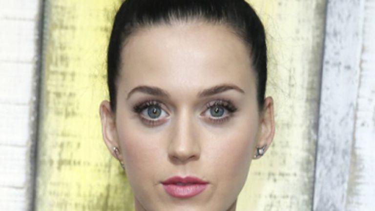Katy Perry: Top 3 ţinute oribile de pe covorul roşu