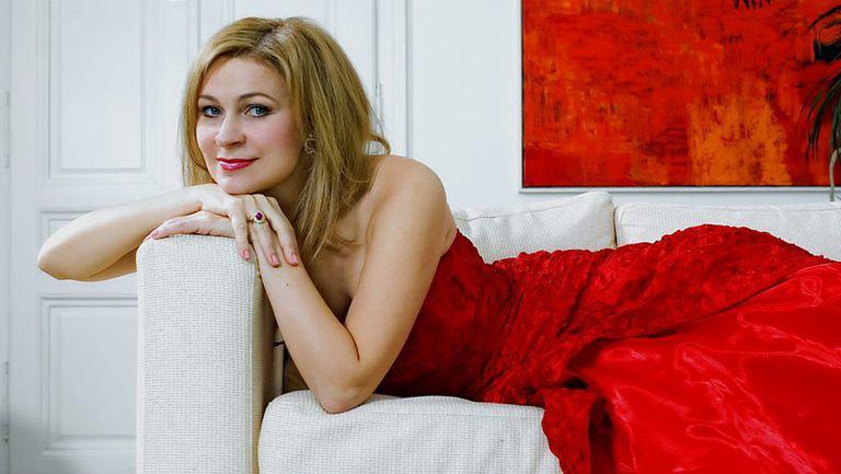 """Ruxandra Donose, soprană: """"Avem nevoie de romantism. De trăiri intense"""""""