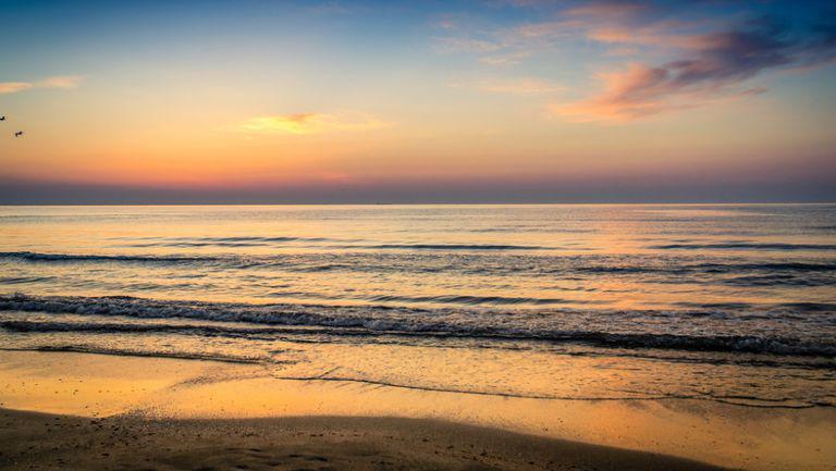 Unde te poți distra de 1 mai pe litoral - marea neagra si tarmul, la apus
