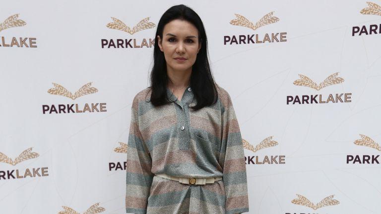 Ce produse cosmetice poartă în geantă Dana Argeșan, make-up artist