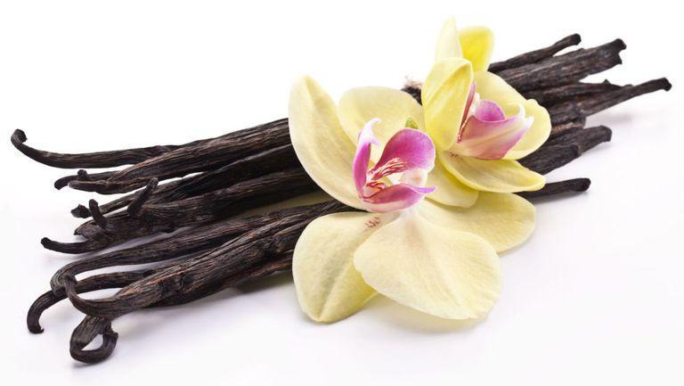 batoane de vanilie cu o orhidee
