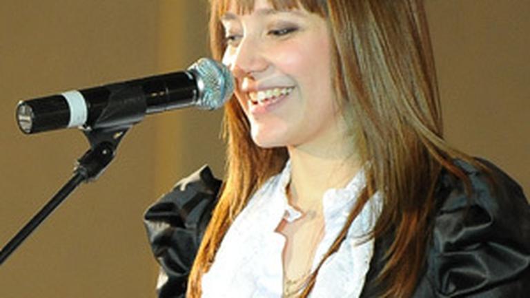 Cornelia Tihon ne-a fermecat la Gala premiilor «Femeia Anului 2010»