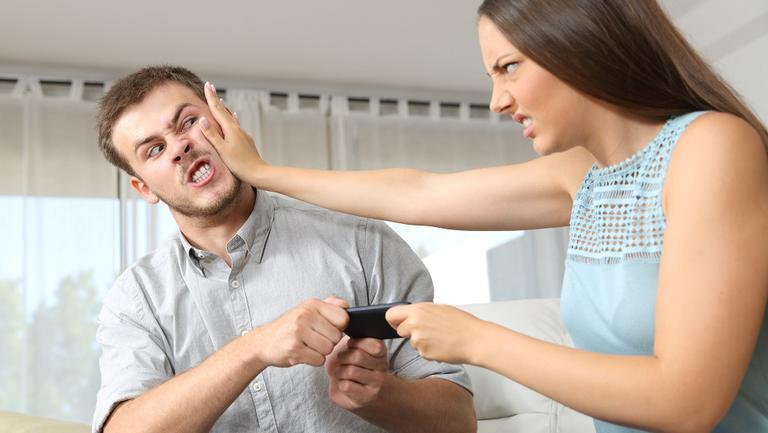 semne care îți arată că ești posesivă în relația de cuplu