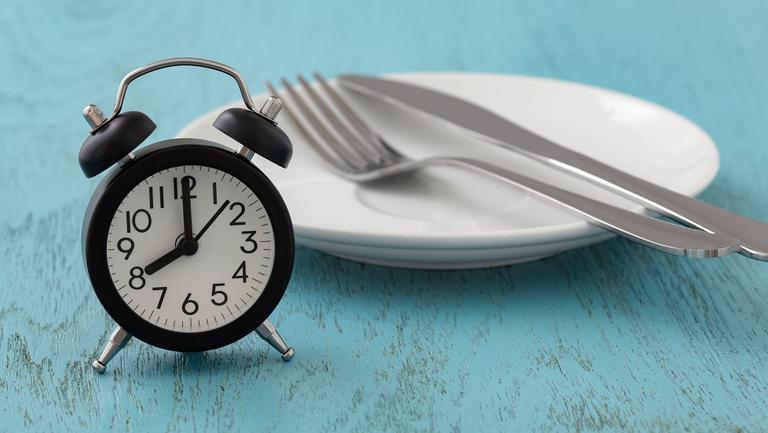 DOSAR SPECIAL: Postul intermitent, dieta proteică și dieta ketogenică. Ce e important să știi…