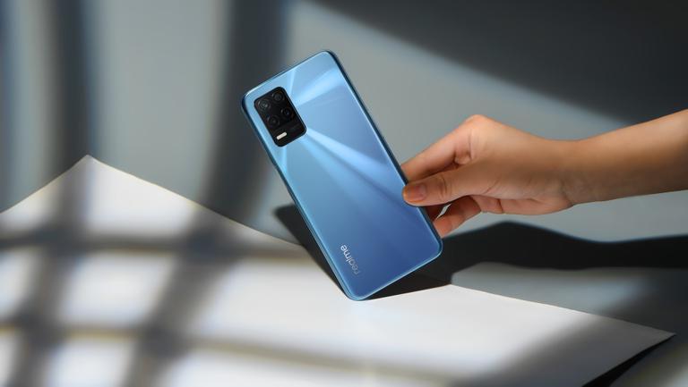 (P) Noul realme 8 5G, performanță accesibilă într-un smartphone cu tehnologie 5G care te va uimi