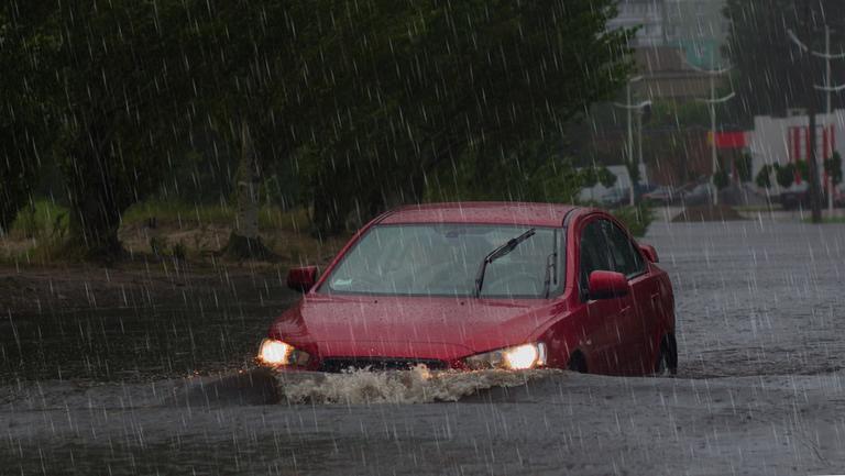 Lucruri importante de știut despre furtuni, tornade, ciclon