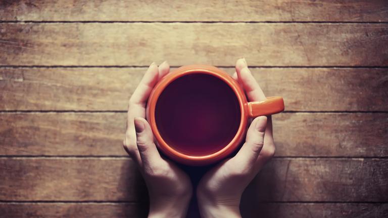 5 ceaiuri naturale cu care poți trata insomniile