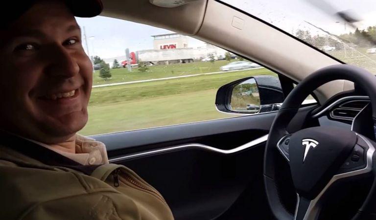 Detalii despre accidentul mortal din SUA în care a fost implicată o Tesla dotată cu sistemul Auto Pilot