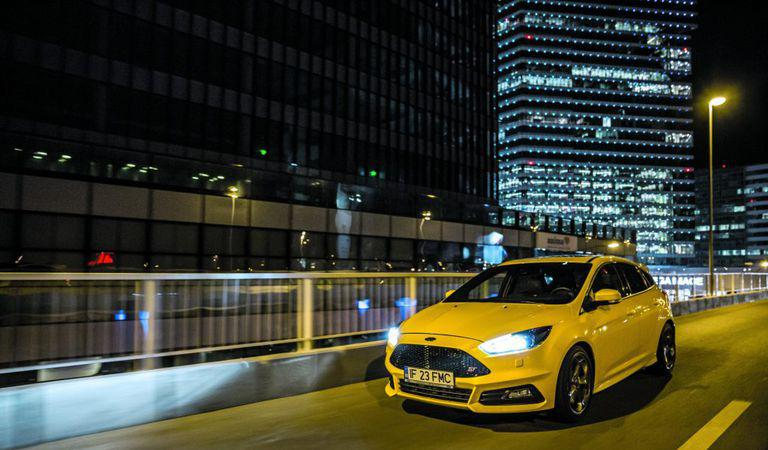 Ford Focus ST 2.0 EcoBoost: Un hot-hatch plin de viață