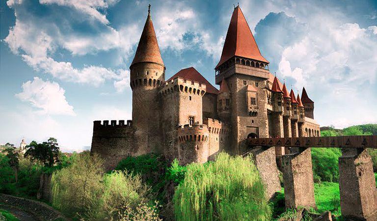 Cum ajungi cu masina din Bucuresti la cele mai renumite castele si cetati din Romania