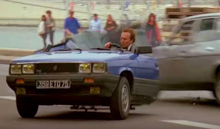 Mașina tăiată în două de James Bond este acum de vânzare