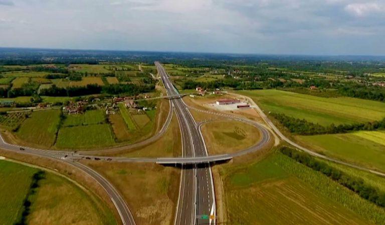 """Camera Deputaților a adoptat proiectul de Lege pentru aprobarea obiectivului de investiţii """"Autostrada Nordului"""""""