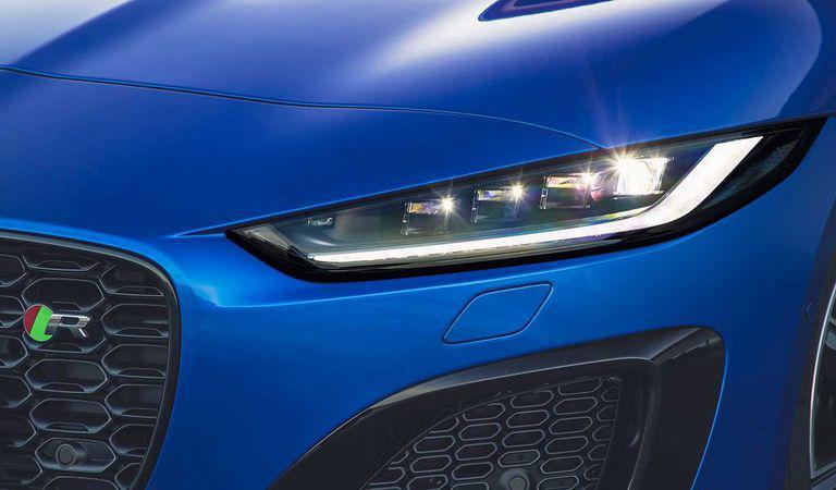 Jaguar F-Type a fost redesenat și puternic tehnologizat