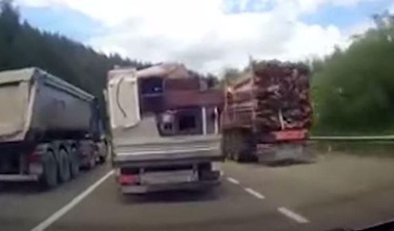 Depășire dementă pe drumul de la Suceava spre Rădăuţi! Acest șofer merită să rămână fără permis (Video)