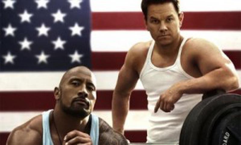Trage tare şi te scoţi - Dwayne Douglas Johnson şi Mark Wahlberg