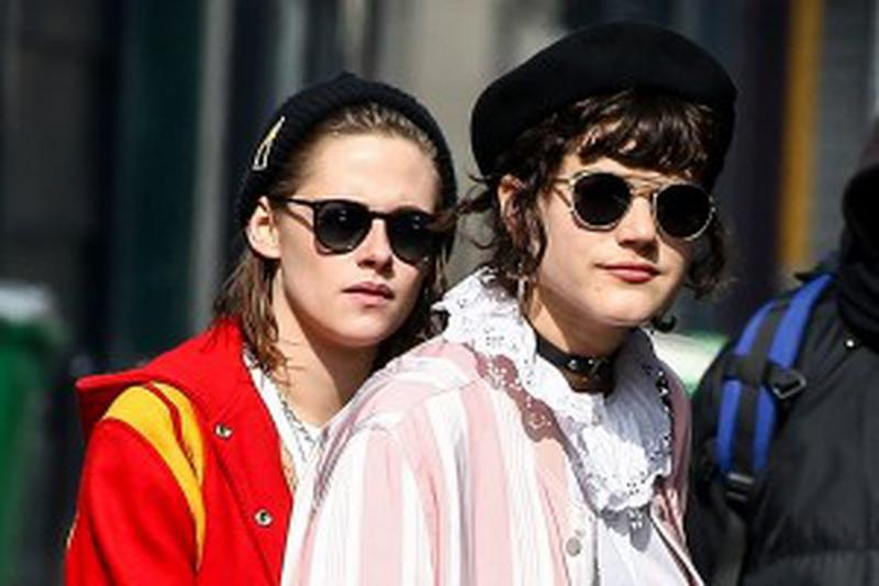 No Web - No Apps In France - US actress Kristen Stewart and her girlfriend French singer SoKo (Stephanie Sokolinski) are spotted together out in Paris, France on March 18, 2016. NO CREDIT a3