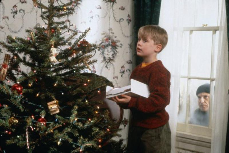 home-alone-1990-macaulay-culkin-and-joe-pesci