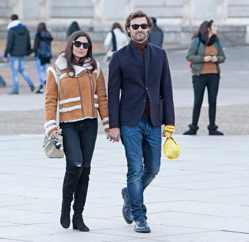 Ana Brenda Contreras şi Ivan Sanchez s-au relaxat plimbându-se prin Madrid.
