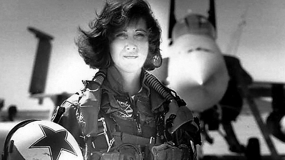 Tammie Jo Shults - femeia pilot care a salvat vietile pasagerilor
