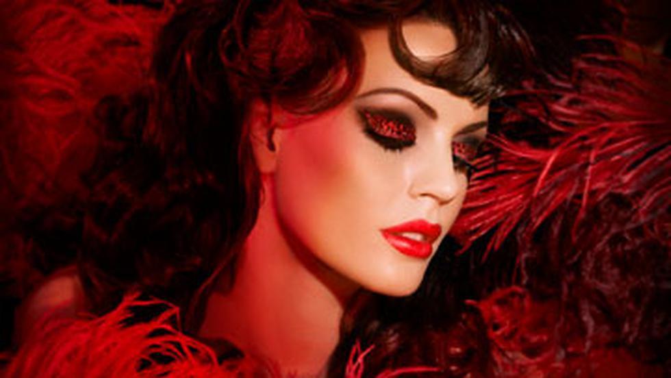 Make Up For Ever machiaj in spirit de Moulin Rouge