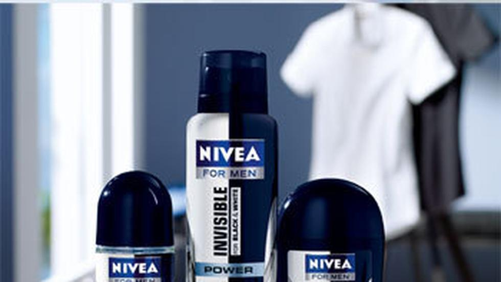 NOU: Gama Deodorantelor NIVEA Invisible for Black & White