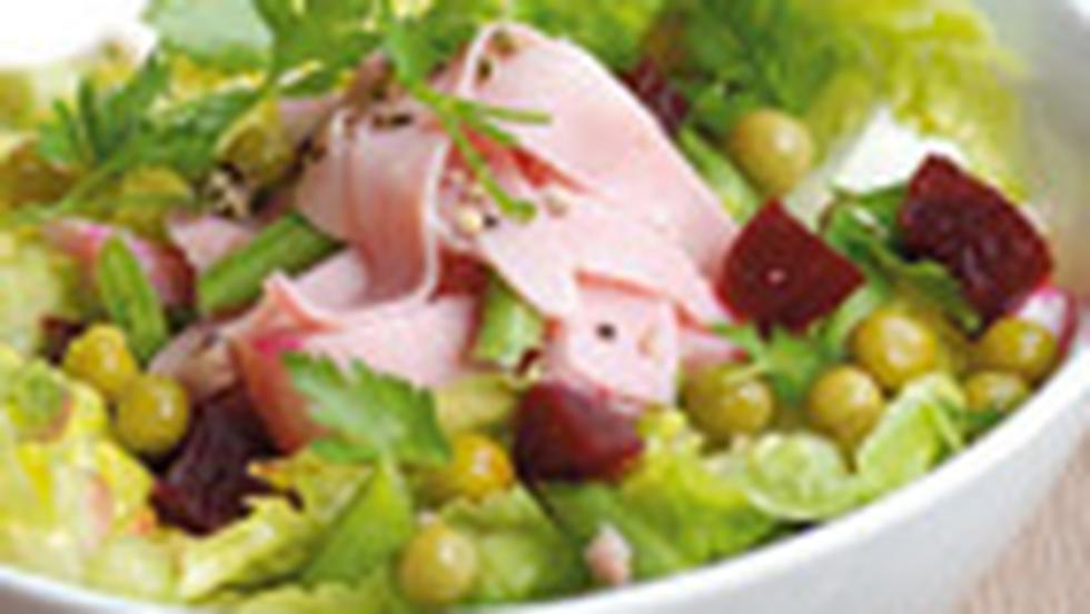 Salata cu sunca si mazare