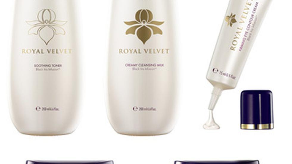 Gama pentru ingrijirea tenului Royal Velvet