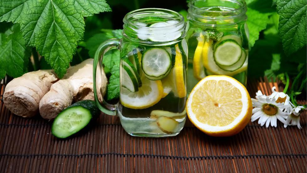 Băutura care topește grăsimea de pe burtă în cel mai scurt timp! Curăță organismul de toxine și ajută digestia