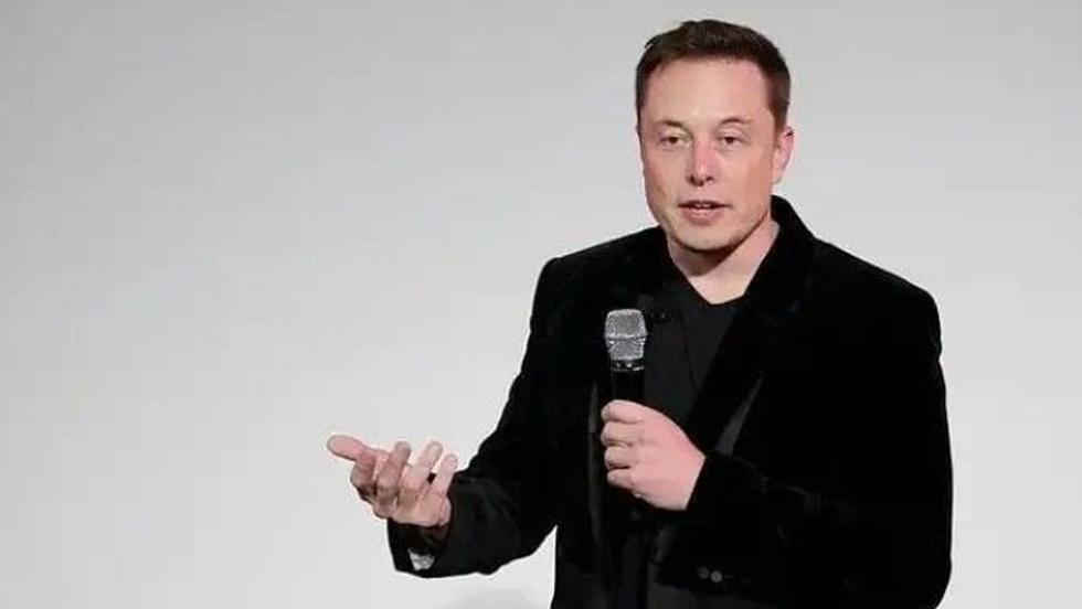 Incredibil! Cum arată mama miliardarului Elon Musk la 73 de ani