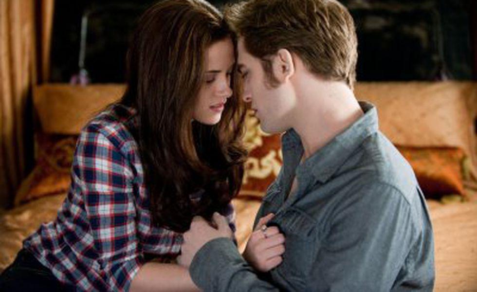 Saga Amurg Eclipsa   Kristen Stewart şi Robert Pattinson