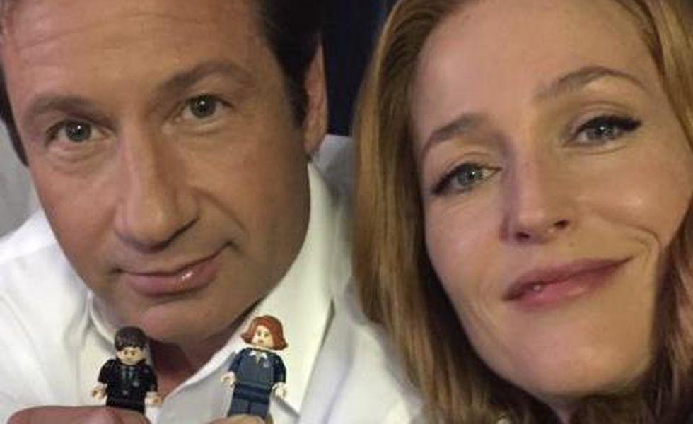 """Gillian Anderson lansează o campanie pentru """"LEGO X Files"""""""