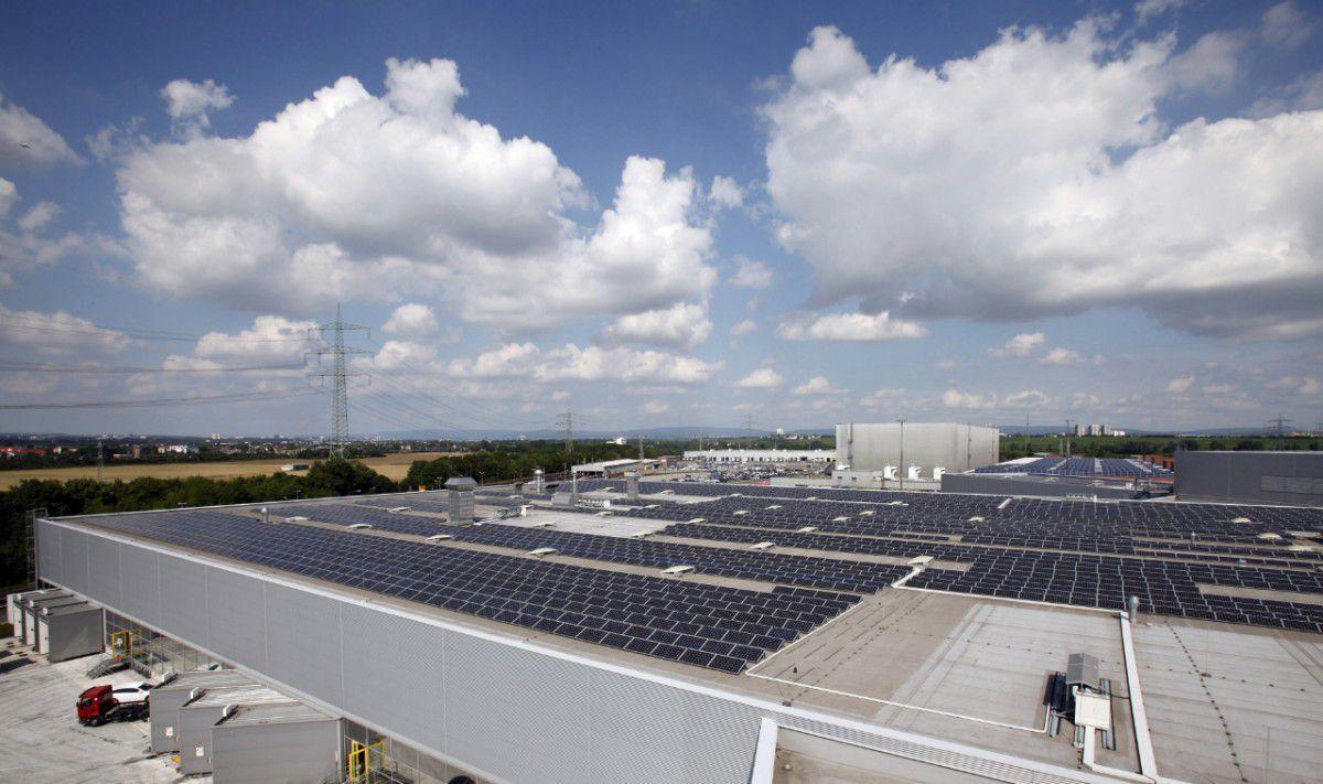 Opel produce masini cu ajutorul energiei solare